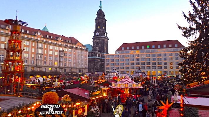 Dresdner Striezelmarkt panoramica 1