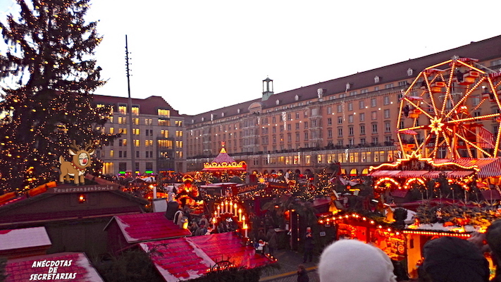 Dresdner Striezelmarkt panoramica 2