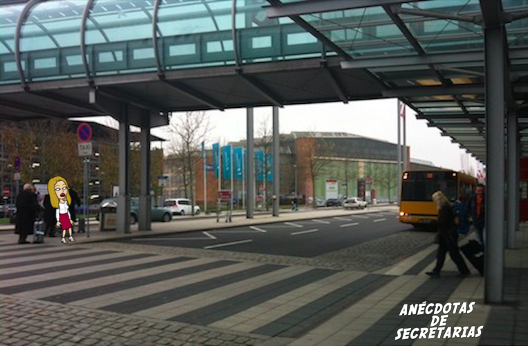 Parada taxis aeropuerto Dresden Sajonia Alemania