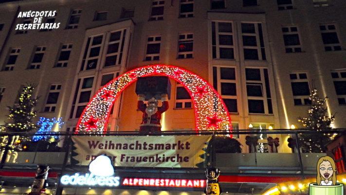 Weihnachtsmarkt an der Frauenkirche