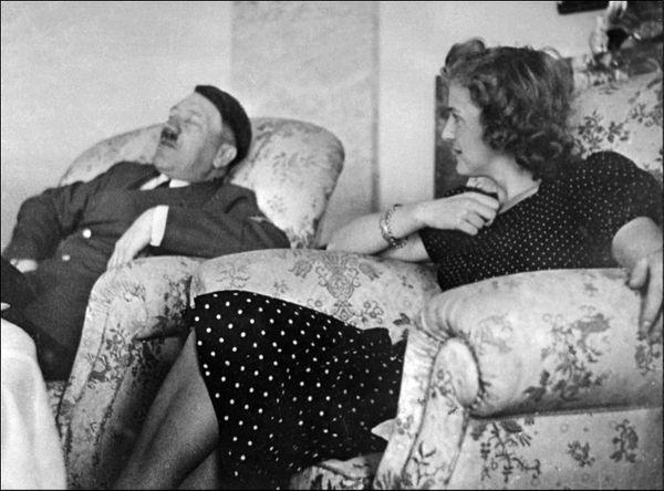 TraudlJunge con Hitler